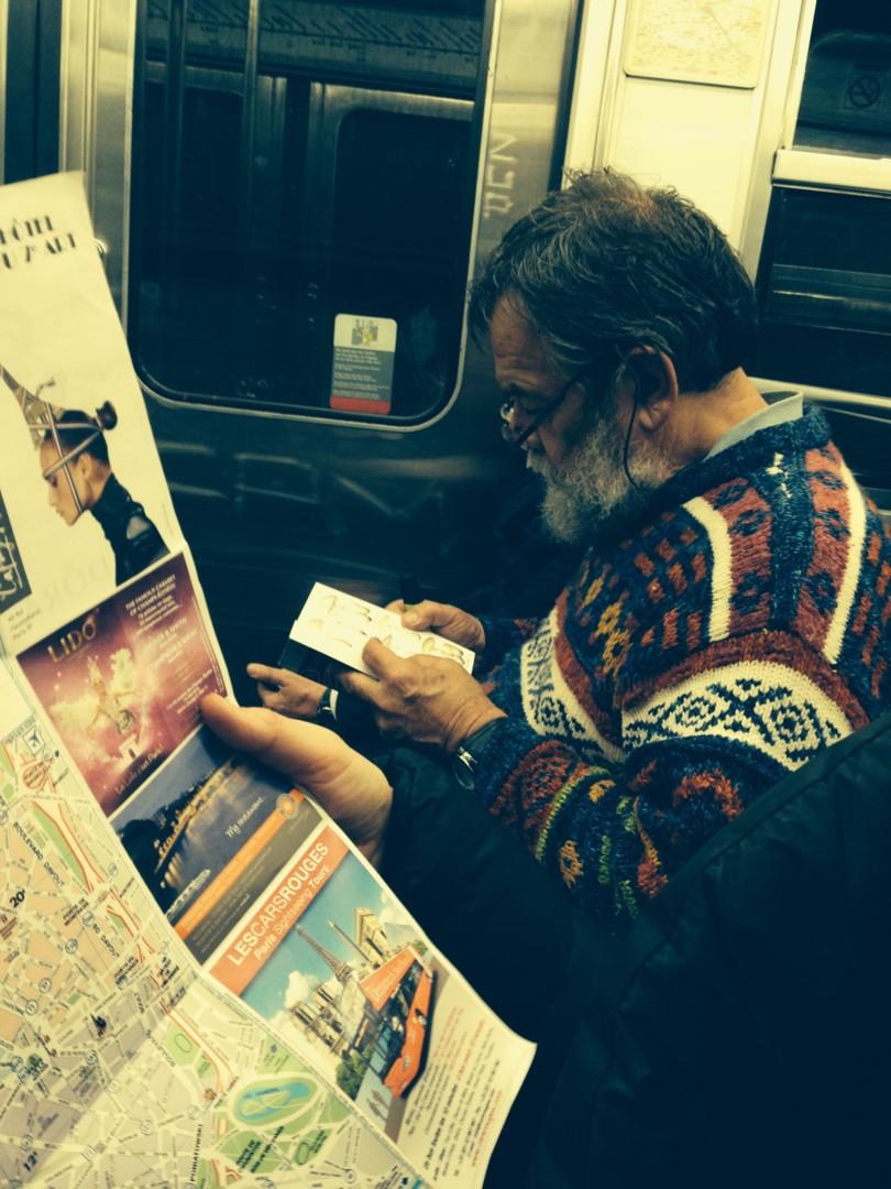 Paul Yves Poumay - metro-paris-homme-lecture.jpg